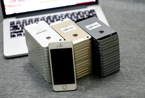 mua-iphone-cu-gia-re-choi-tet-duoc-long-nguoi-dung-viet-1