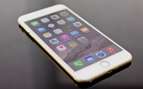 """iPhone Lock vẫn giảm giá sâu dù được trang bị  SIM ghép """"thần thánh"""""""