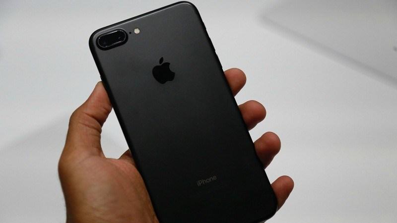 iphone7jetblackaa_800x450_800x450